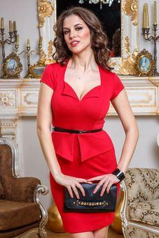 Платье с фигурным вырезом декольте Angela Ricci